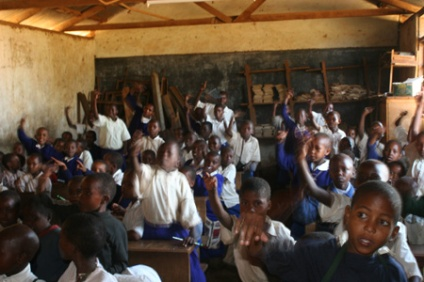 Schoolchildren, eager to answer, Gendabi, Tanzania