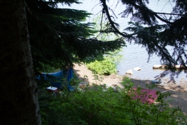 Campsite at the edge of Mirror Lake